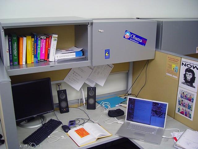 desk-640px